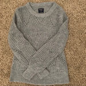Abercrombie & Fitch grey sweater